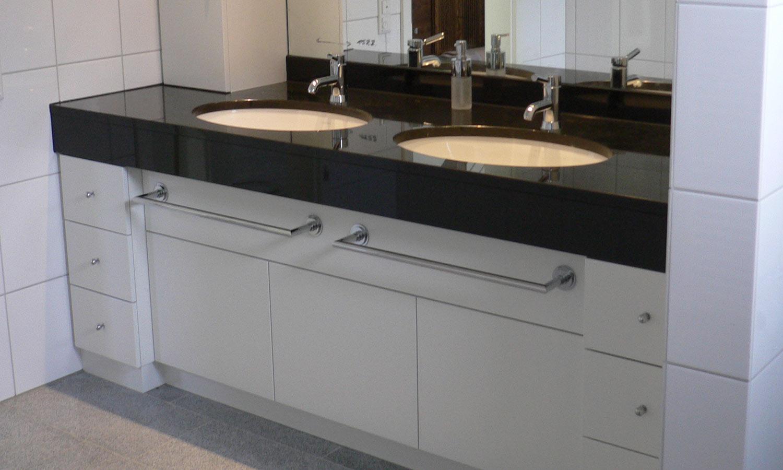 tack tischlerei in lippstadt waschtisch. Black Bedroom Furniture Sets. Home Design Ideas