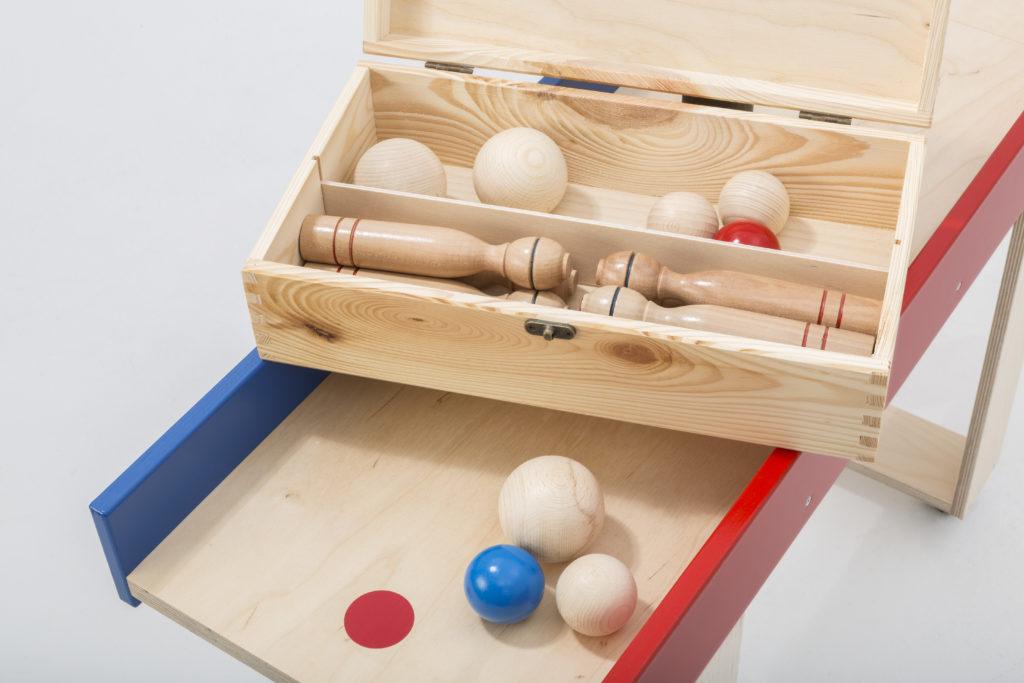 kegelbahn-sammelbox-mit-kegeln-und-kugeln