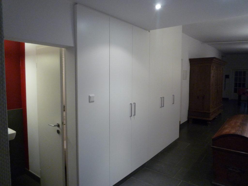 tack tischlerei in lippstadt einbauschrank f r schuhe im altbau. Black Bedroom Furniture Sets. Home Design Ideas