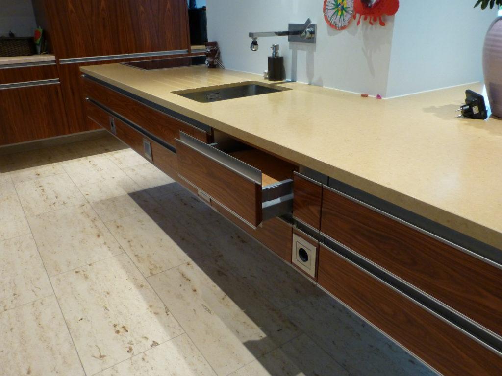 Tack Tischlerei in Lippstadt » Kücheninsel Palisander
