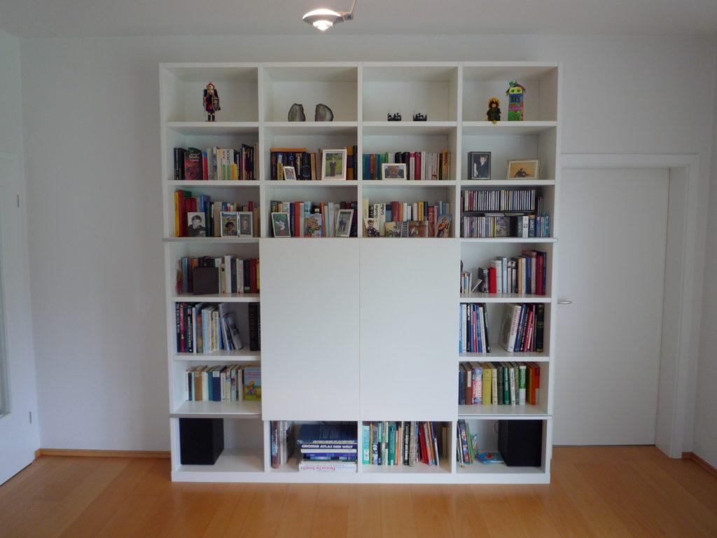 tack tischlerei in lippstadt fernsehschrank mit schiebet ren. Black Bedroom Furniture Sets. Home Design Ideas