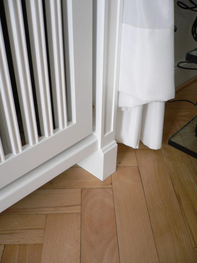 heizkoerperverkleidung-mit-sockel