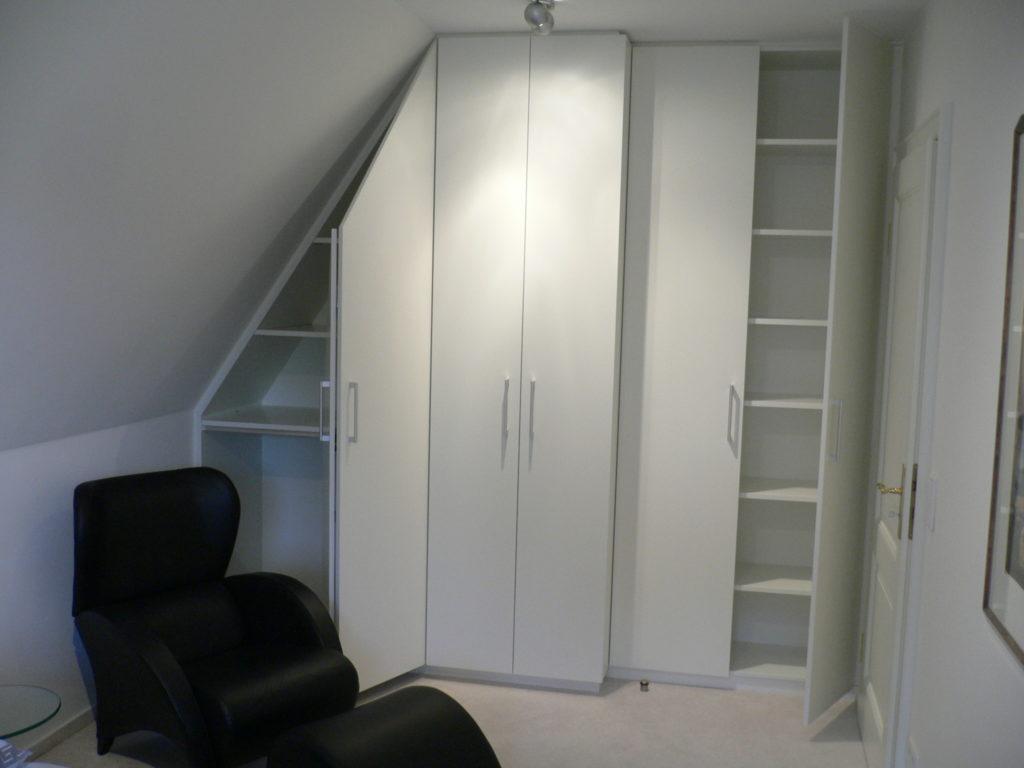tack tischlerei in lippstadt schrank mit schr ge. Black Bedroom Furniture Sets. Home Design Ideas