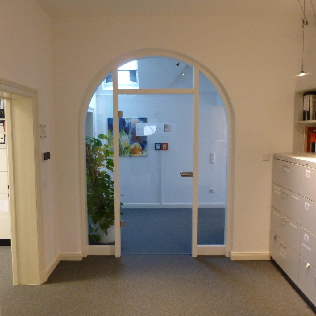 rundbogen rundbogen drehlinks fenster with rundbogen glas rundbogen glas rundbogen glas. Black Bedroom Furniture Sets. Home Design Ideas